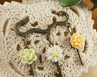 "Brooch with Keys ""Pastel Flowers"" (#6494)"