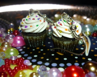 Cupcake Cell Charm