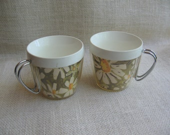 West Bend Thermo-Serv Plastic Cups, Daisy Mugs, Metal Handles, Set of TWO, Daisy Kitchen Decor, Made in USA, Vintage Cups MyVintageTable