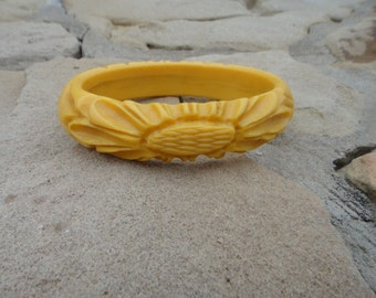 Vintage Carved Butterscotch Yellow Bangle Bracelet