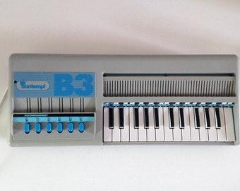 Vintage keyboard BONTEMPI B3 - Electric Portable Piano Organ - vintage Musical Instrument