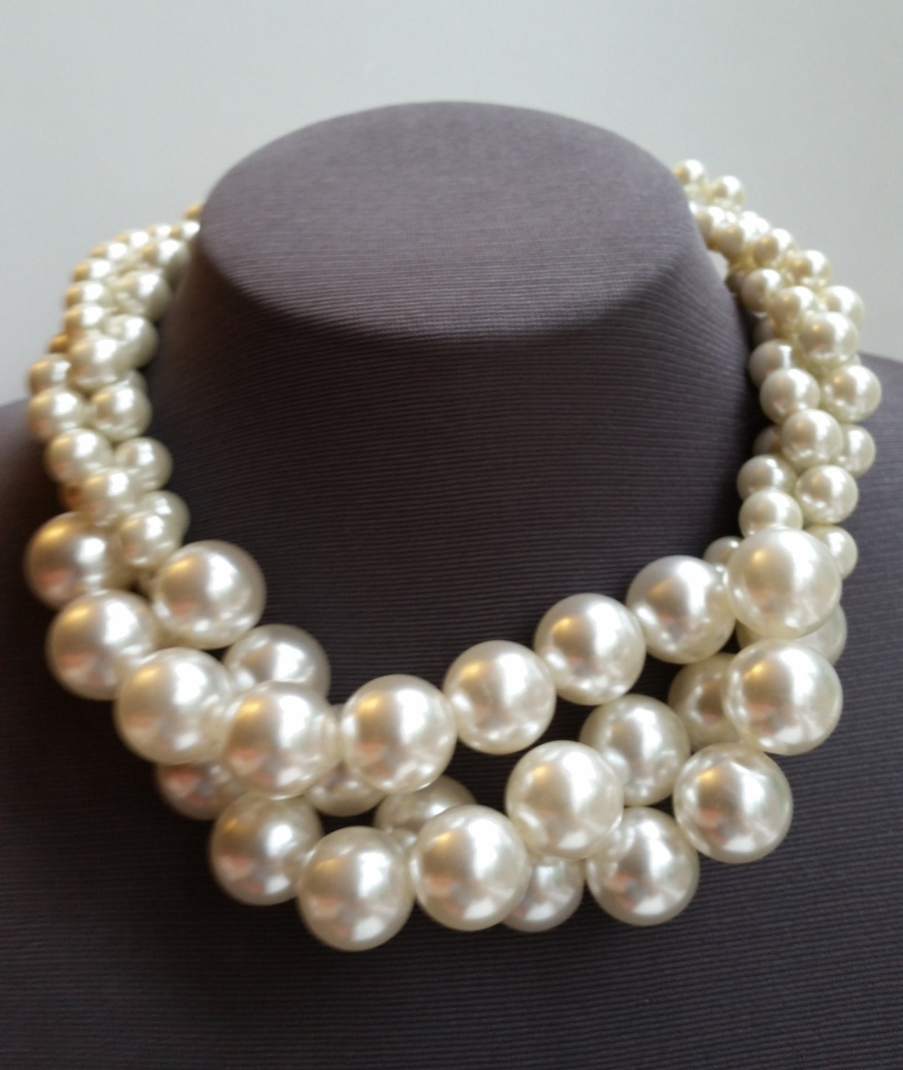 Necklace With A Pearl: Chunky Pearl Bridal Necklace Large Pearl Choker Boho Wedding
