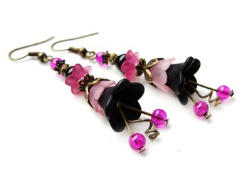 ROMANTIC STYLE Lucite flowers - black and shades of pink dangle earrings, acrylic frosted floral earrings - gift for her, vintage style