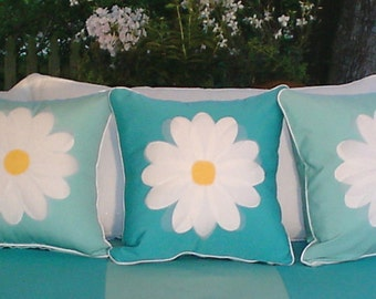Daisy Pillow Cover 18-Inch