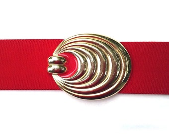 Vintage red oval belt, concentric circle buckle, red and gold stretch belt, red elastic, red evening wear, crimson scarlet teardrop ellipse