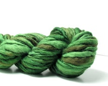 Marta's Yarns Slubby – Hand dyed 100% wool yarn, 100gm skein in Swedish Forest for knitting, crochet, weaving or felting projects