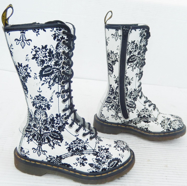 Model Women39s Dr Martens 1460 W 8 Eye Boot Black Floral Shoescom