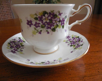Queen Anne Bone China Tea Cup and Saucer Purple Violets Yellow Floral  - England