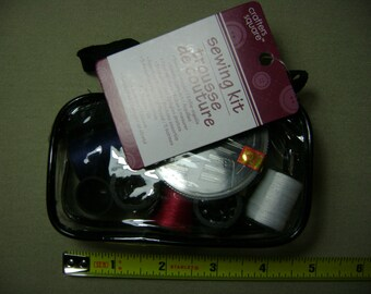 Sewing Kit In Pouch (NEW)