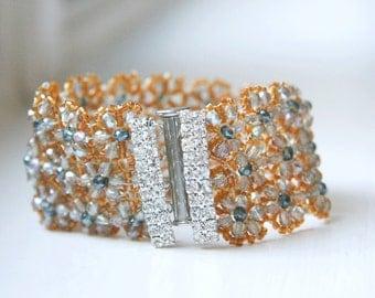 Sparkling Daisy Beaded Bracelet
