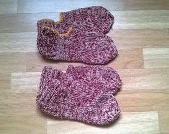 Knitted slippers slippers / socks red&beige -  with or without yellow rim