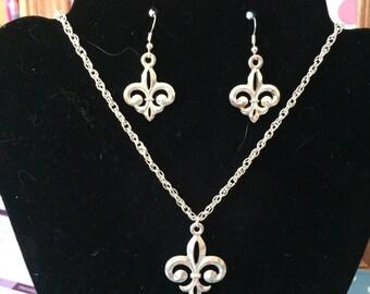 Fleur de lis jewelry set