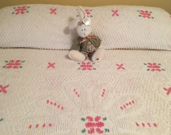 Sale Vintage White CHENILLE Full Size Bedspread Cottage Chic Pink Roses