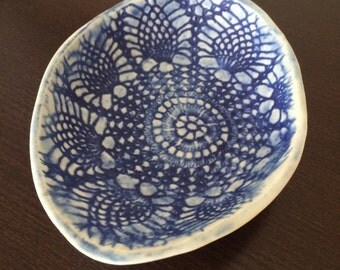 Stoneware shallow dish