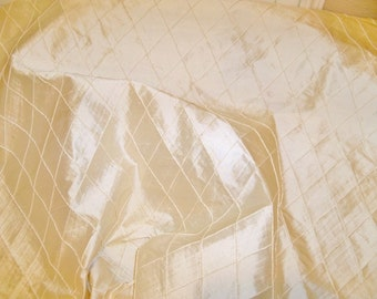 SILK LOOM EDINA Embroidered Diamonds Silk Quilter Pillow Crafter Fabric Remnant Cream