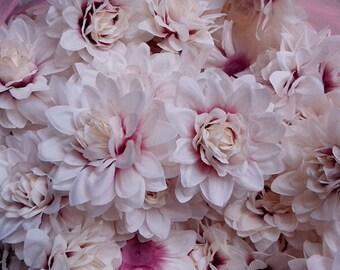 2 pcs 9 cm Silk Chrysanthemum Life Like Flowers,Artificial Chrysanthemum For Wedding Arrangement,Flower Supplies(122-4)
