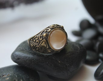 Mother of Pearl Antique Brass Ring