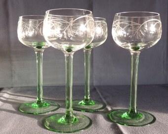 4 x stylish Romans, green stem wine glass, polished decor
