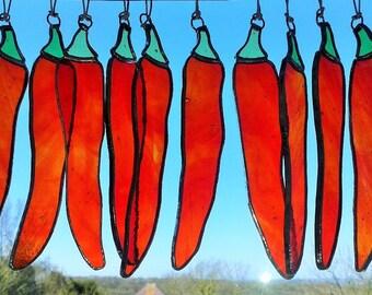 Red chilli pepper suncatcher, Stained glass chilli lover gift, chilli window decoration, glass chilli ornament, kitchen window decor
