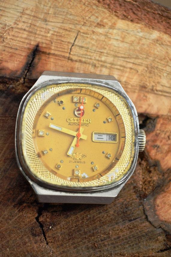 Такие часы станут удачным дополнением для делового и неформального образа, сыграют роль незаменимого аксессуара в экстремальной ситуации.