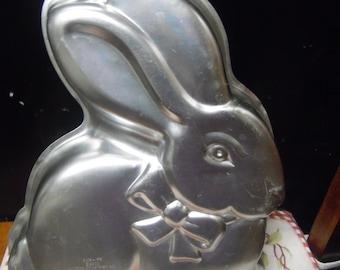 Cottontail Rabbit cake pan by Wilton