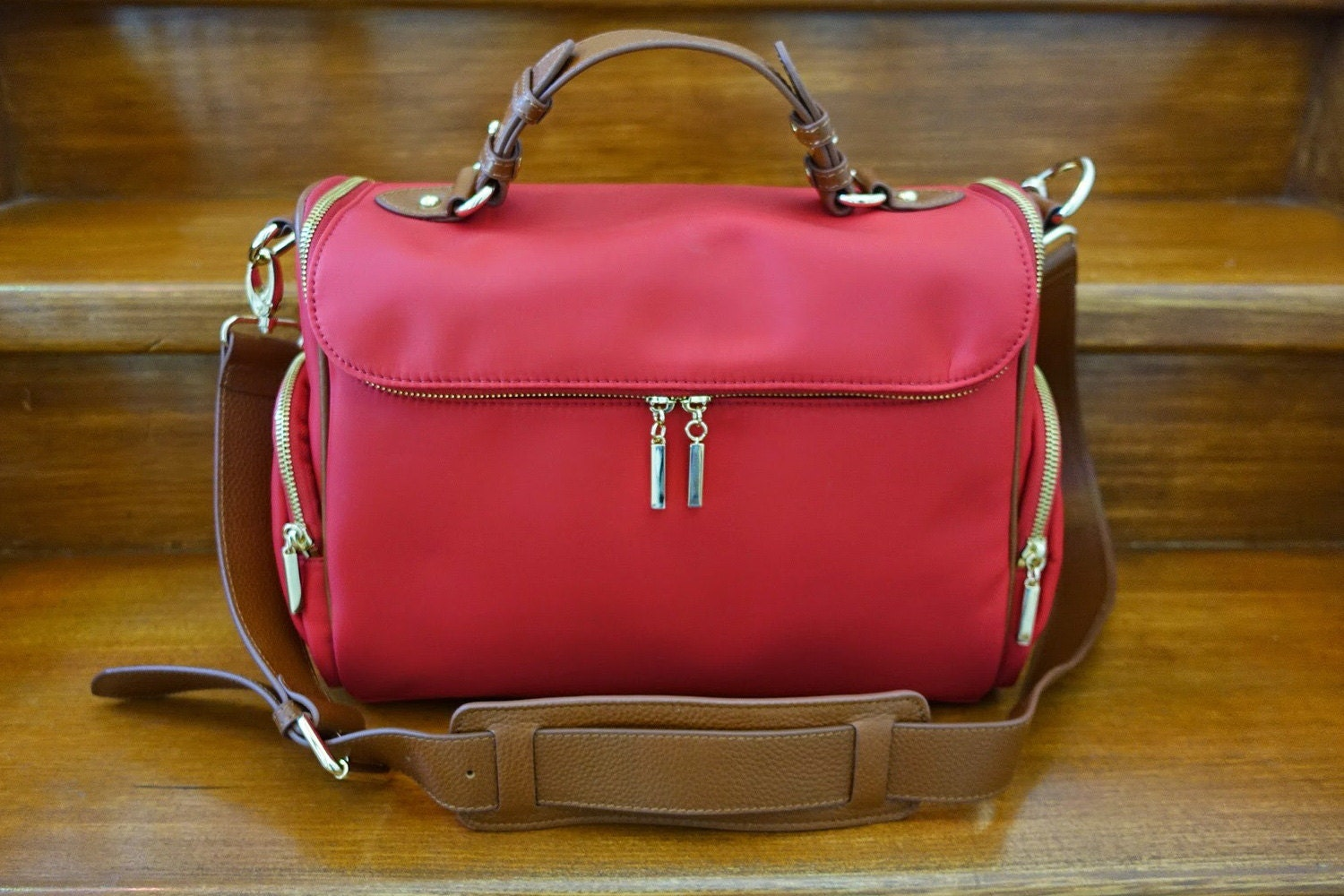 Stylish Camera Bag for Women Designed for SLR Cameras RED