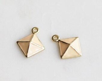 P1-469-G] Peach Epoxy Diamond Pyramid / 11mm / Gold plated / Pendant / 2 piece(s)