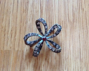 Delicate French bow brooch