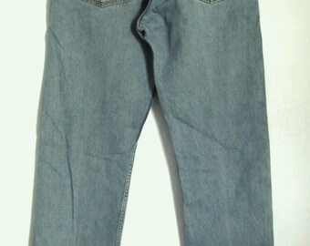 Marked Down@@Men's Vintage 90's Blue Button Fly Jeans by LEVI'S 501.32x34