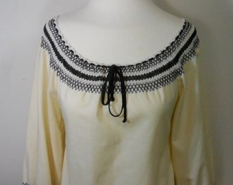 Peasant blouse, Vintage, womens clothing