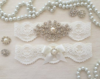 wedding garter set, ivory bridal garter set, ivory lace garter, pearl/rhinestone, ivory bow