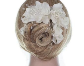 Bridal Hair Comb,Floral comb, Ivory Fabric Bridal Hair Comb, Hair Flowers, Flower Hair Accessory, Wedding Hair Flowers, Wedding Hair Comb