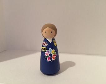 Daisy Scout peg doll