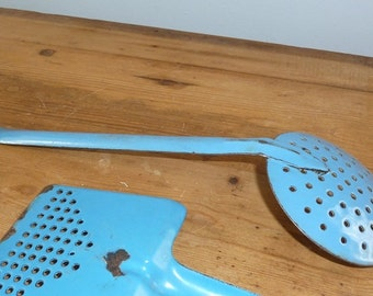 1920s Blue French Enamel Skimmer Slotted Strainer with Long Handle