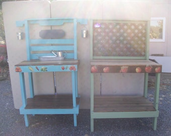 Reclaimed Pallet Garden Work Benches