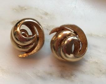 Vintage Crown Trifari gold tone earrings