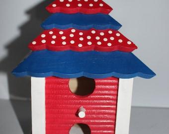 Birdhouse - Decorative or Use as Birdhouse