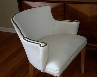 Mid Century Modern White Vinyl Club Chair