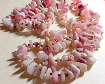 Vintage long pink shell necklace pink mother of pearl necklace beach necklace pink boho necklace long pink necklace 1970s