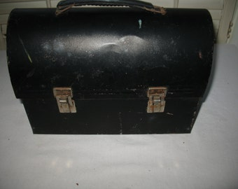 Rustic metal Lunch box with metal clasp and handle plastic 1950 s g w quality