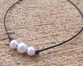 Leather Pearl Necklace With Three Pearls- Dark Brown