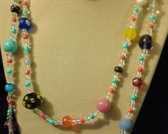 Long beaded necklace, round