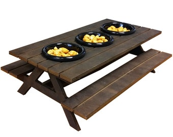 Food Presentation Picnic Bench