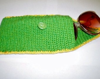 Eyeglass Case. Hand Knitted Green