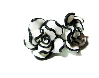 White and Black Rose Stud Earring, Handmade Earrings, Rose Earrings, Flowers, Earrings Handmade, Black and White