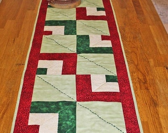 Quilted table runner, Green & Red quilt runner. Cotton fabric table decor. Handmade quilt table runner.