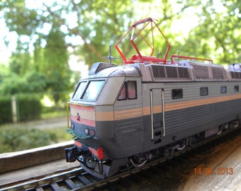 "Train model kit of Locomotive ""ChS7"" (ЧС7) scale H0 1:87, Magazine"