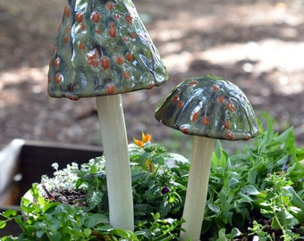 Desert Toad Ceramic Mushroom. Garden Ceramic Mushroom.