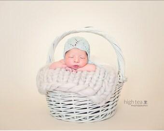 Newborn bonnet turquoise