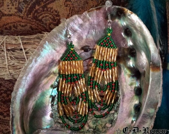 Native Beaded Earrings in Holiday Tree